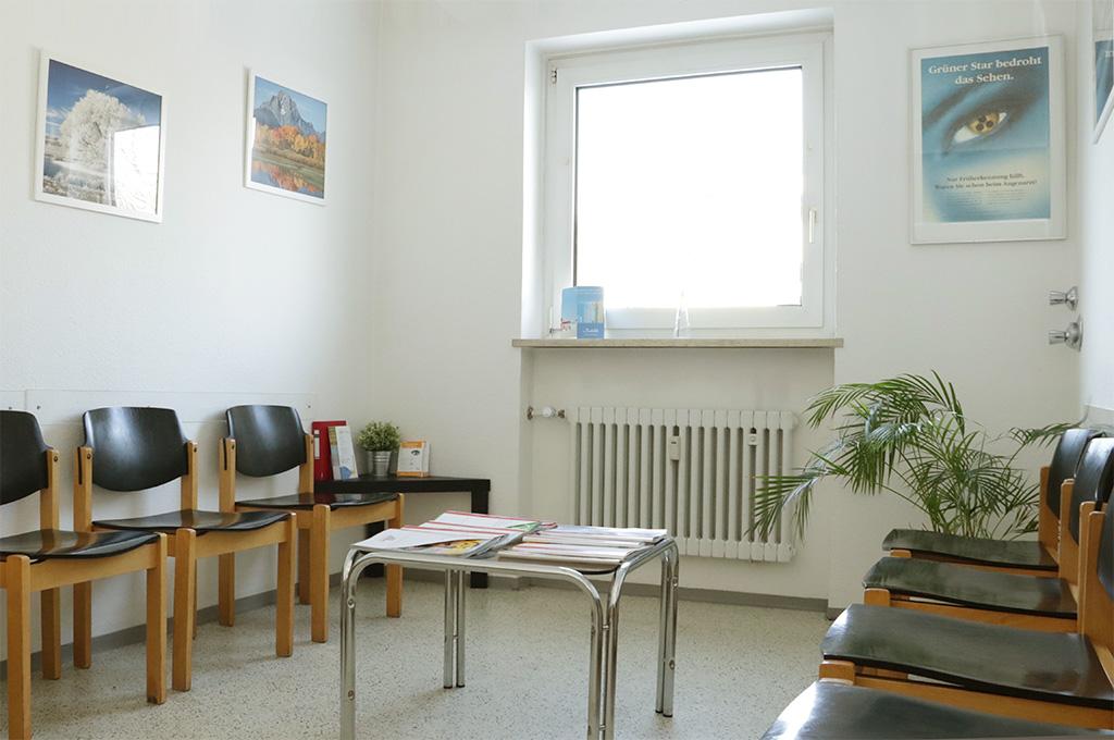 Patientenraum bei Augenarzt in München Moosach / Feldmoching